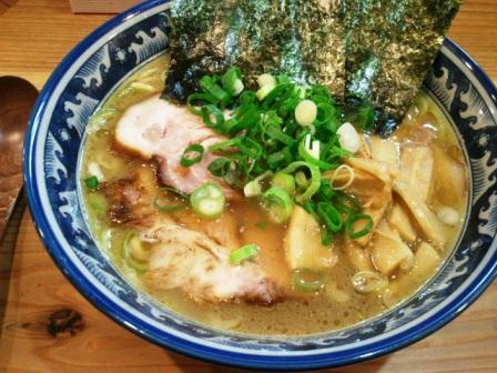 ラー麺鎌倉家 001.jpg